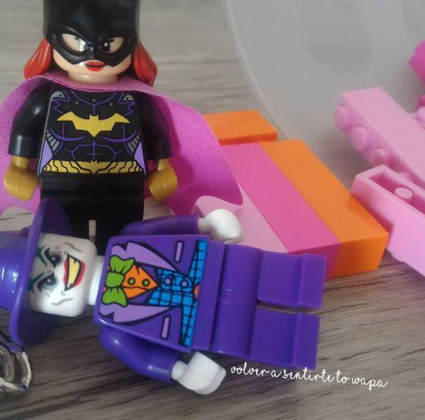 Lego - llaveros de Batgirl y The Joker