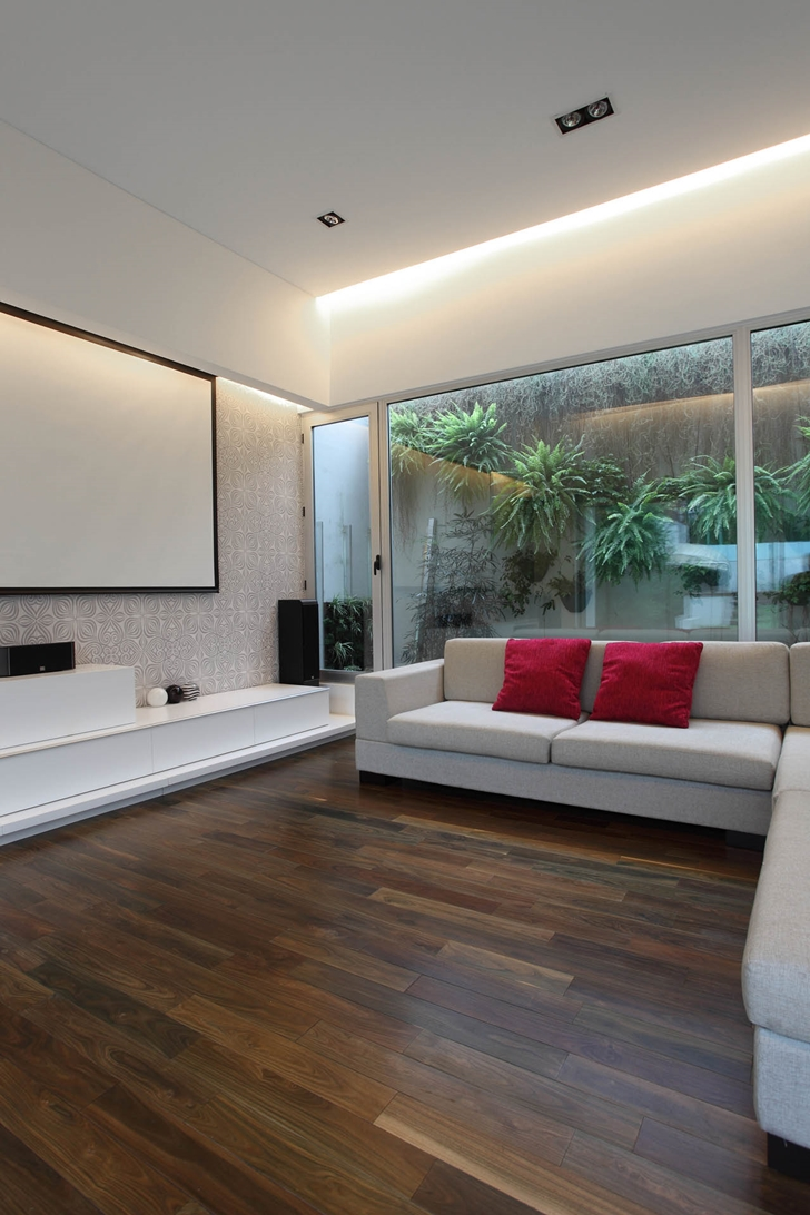 Living room in Modern Villa Devoto by Andres Remy Architects