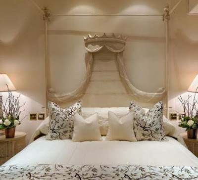 Home Oriental Creative Bed Crowns
