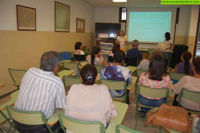 El Colectivo de Escuelas Unitarias de La Palma inicia un proyecto de artesanía con una subvención de la fundación cajacanarias