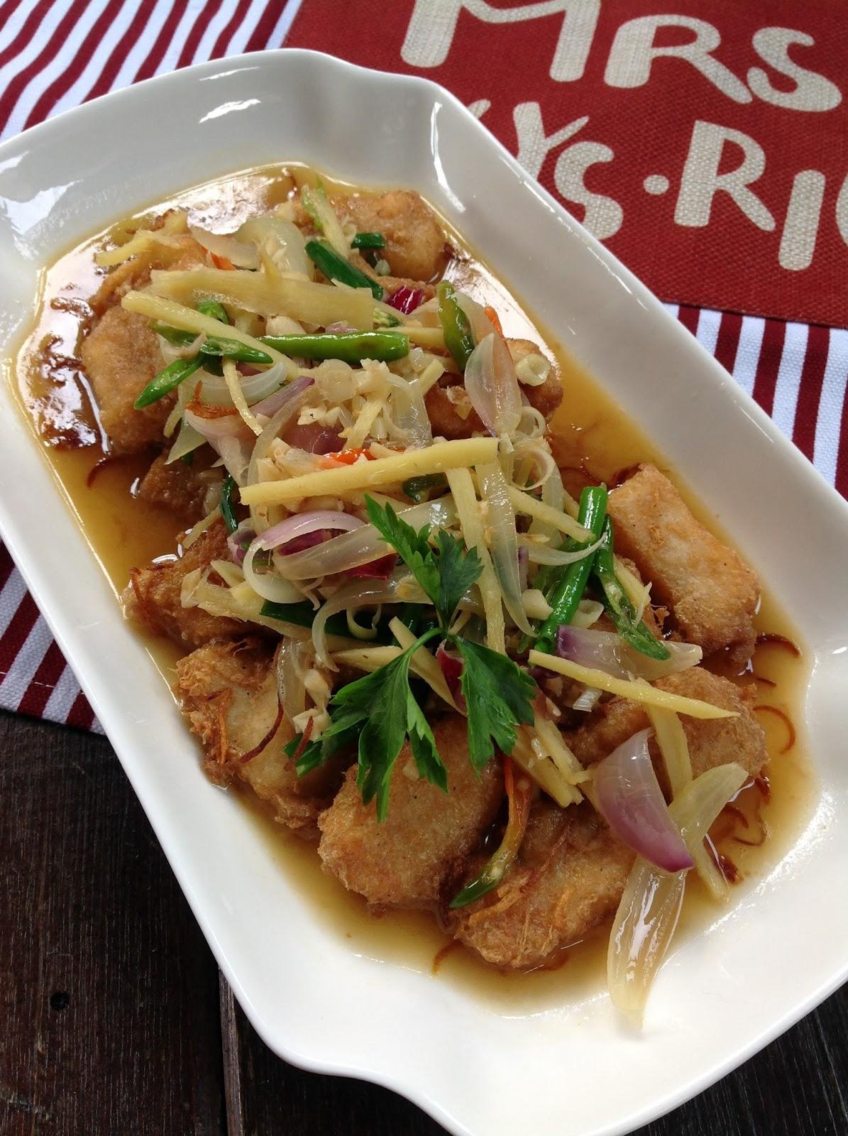 Mori's Kitchen: Ikan Dory masak Halia Sos Ikan