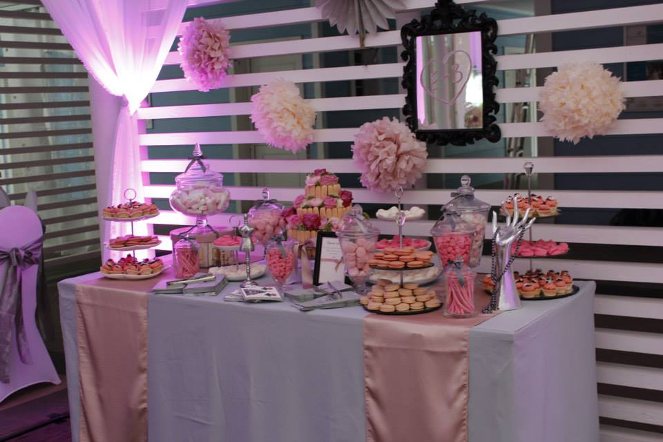 sweet table mariage rose poudr le candy bar. Black Bedroom Furniture Sets. Home Design Ideas