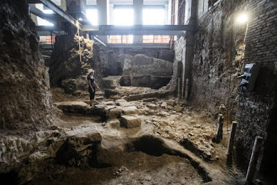 Excavation of ancient house extends boundaries of Rome