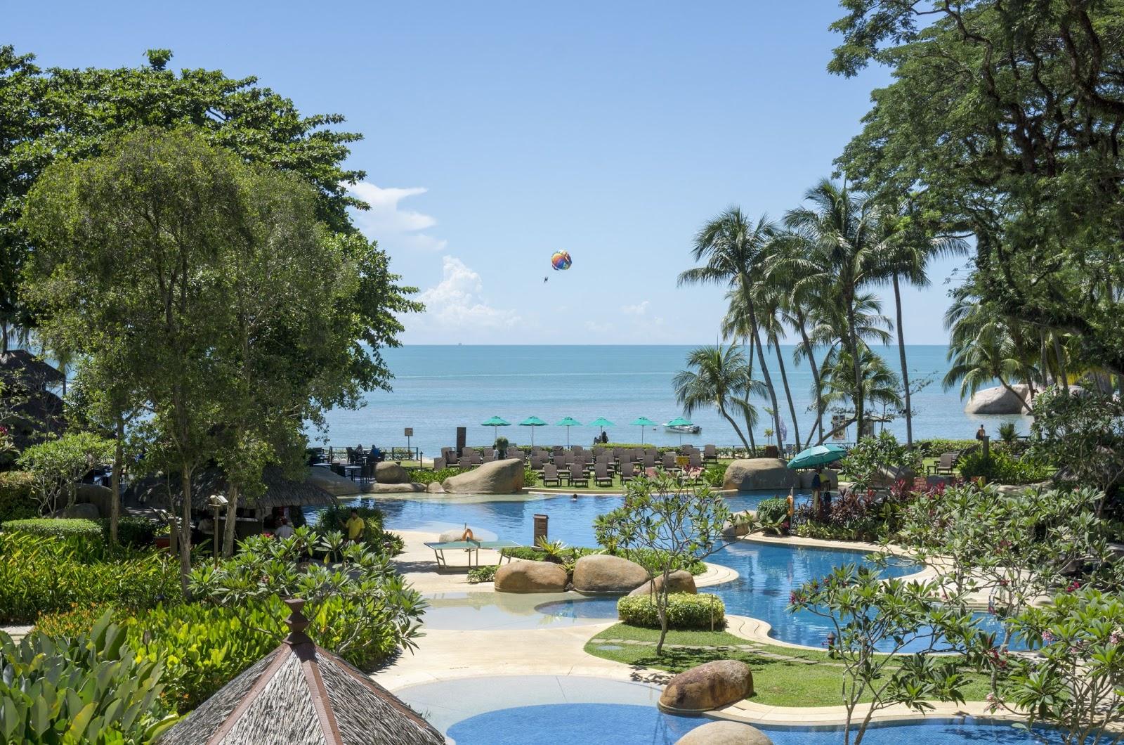 malaysia review of the shangri la 39 s rasa sayang resort. Black Bedroom Furniture Sets. Home Design Ideas