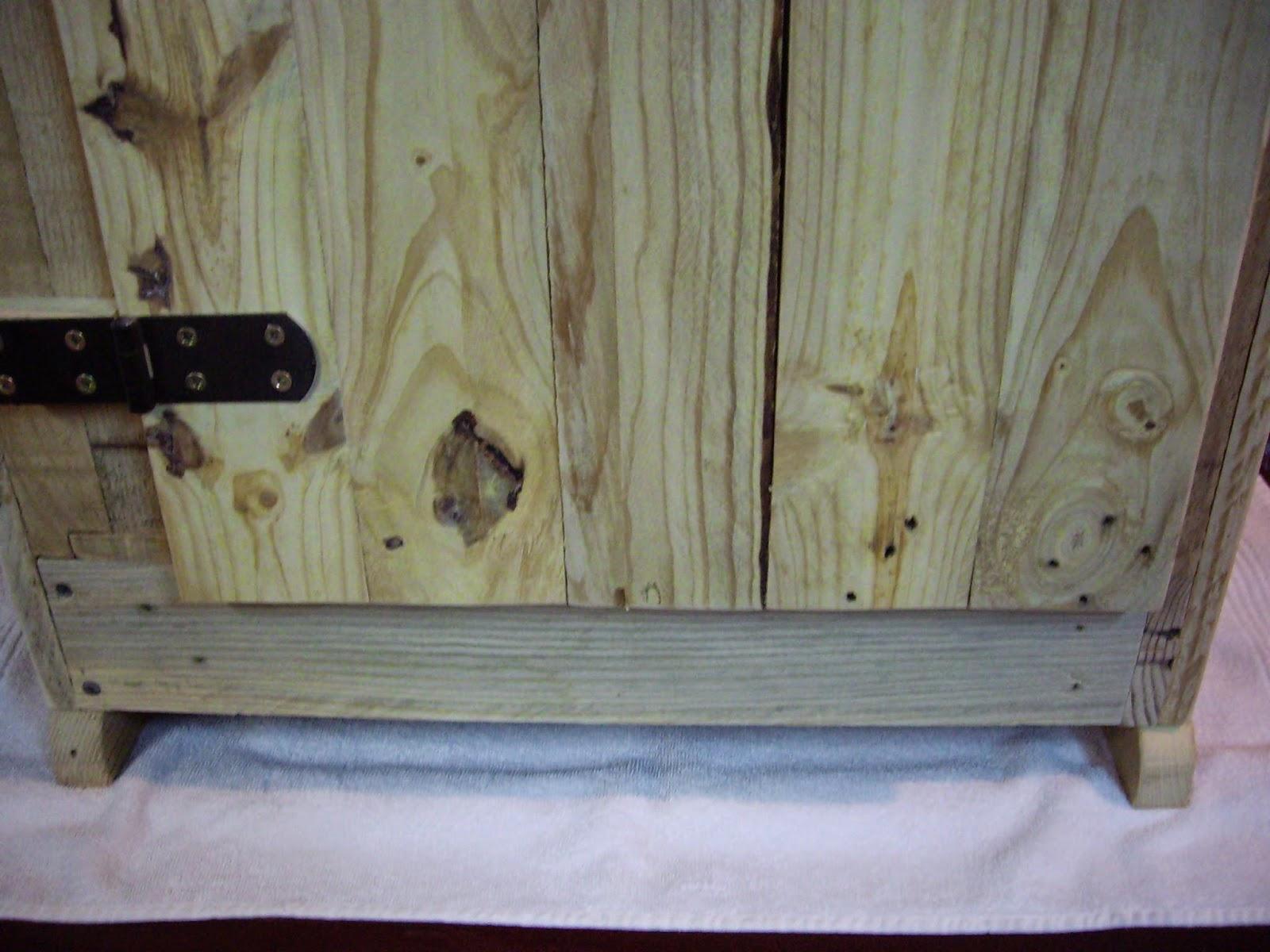 Objets d co tutoriels et meubles en bois de palettes for Petit meuble salle de bain bois