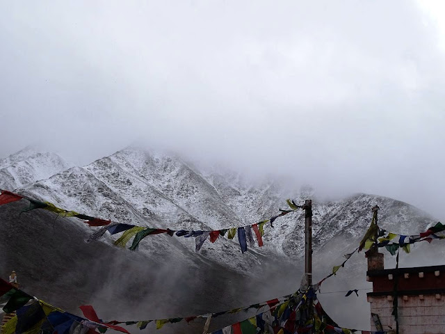 Snowfall at Kunzum Pass, Himachal Pradesh