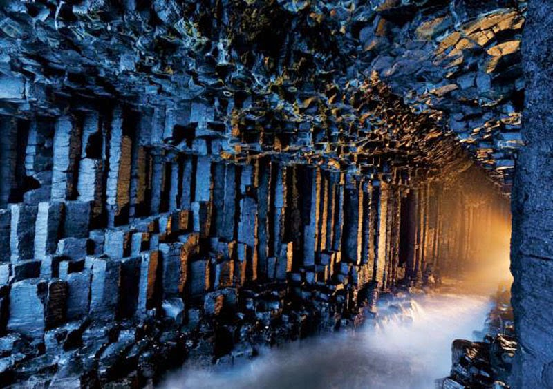 2. Fingal's Cave, Scotland - 5 Sights So Incredible You Won't Believe They're Real