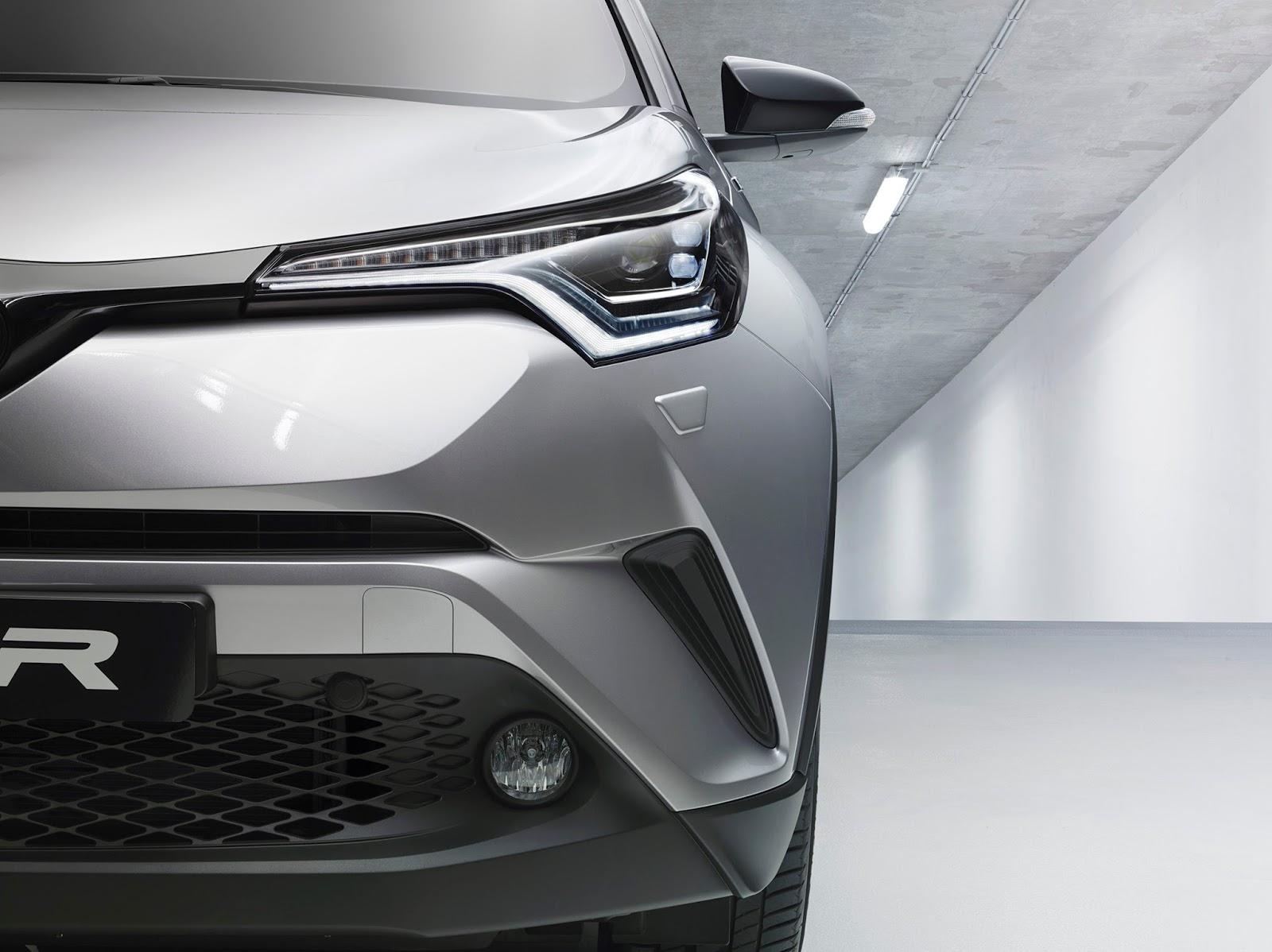2017-Toyota-C-HR-02.jpg