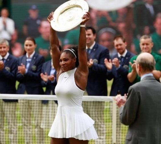 Serena Williams Petenis Wanita Terbaik Sepanjang Masa Menaklukkan Kerber di Final Wimbledon