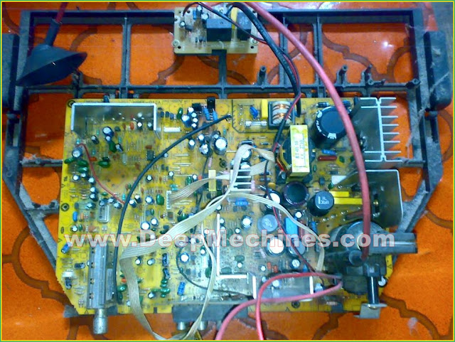 TV Polytron 29-Inch (PS 30UV26RA) - Mati Total/Standby, Lampu Indikator Berkedip Cepat