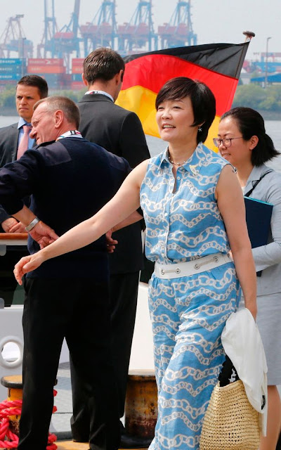 Japanese First lady may have pretended not to speak English to avoid talking to Donald Trump