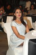 Madhu Shalini dazzling photo shoot-thumbnail-1