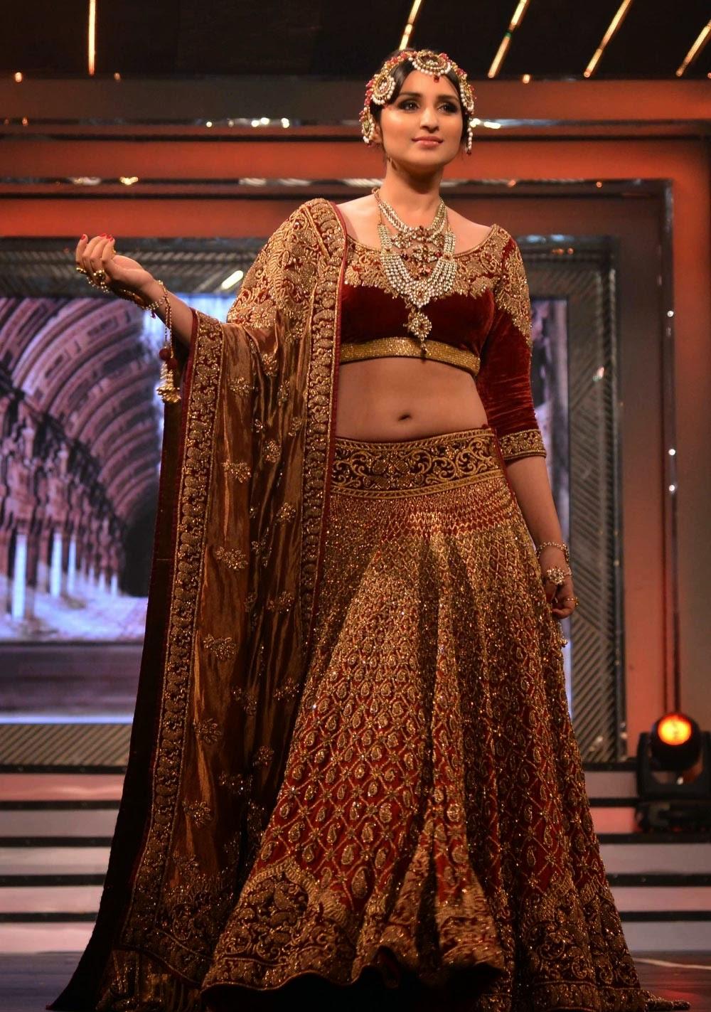 696439a183 Buy Bollywood Celebrity Designer Replicas Suits | Sarees | Lehengas