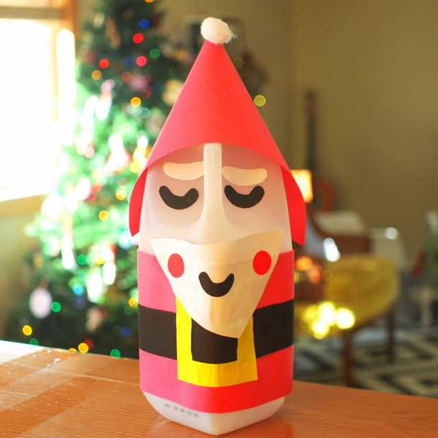 Easy Recycled Milk Jug Santa Claus Craft to make with preschoolers