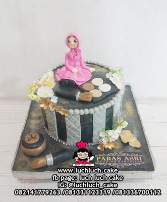 Kue Tart Ulang Tahun Tema MUA