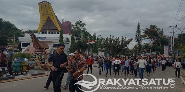 [FOTO] Gagahnya Paspampres Amankan Kedatangan Jokowi  ke Tana Toraja