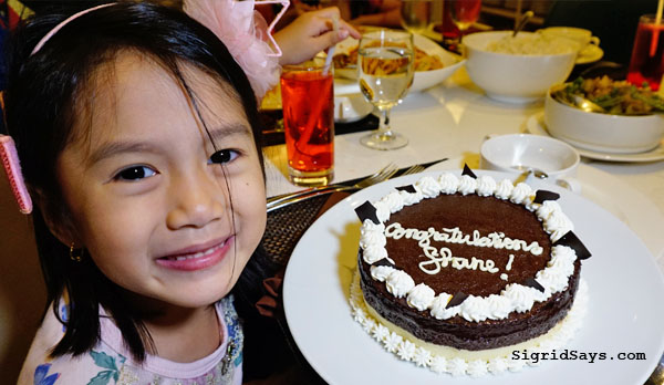 Graduation Platter - Seda Capitol Central - Graduation 2019 - Batch 2019 - Bacolod restaurants - Bacolod hotels - Bacolod blogger - graduation cake with dedication