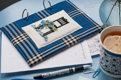 блокнот на кольцах, своими руками, вышитый декор, стульчик с цветами, блокнот в клетку, синий блокнот