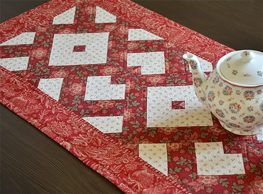 Triangle Half Square Table Runner Free Tutorial Designed By Liza Decor