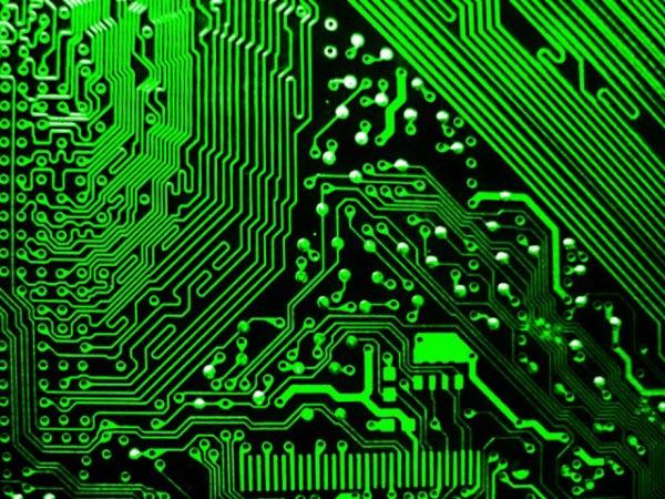 كيف تعمل المازربورد علي ربط مكونات الكمبيوتر