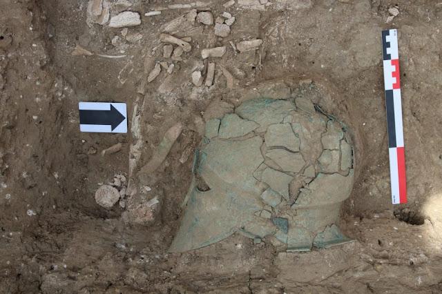 Κορινθιακή περικεφαλαία αρχαίου πολεμιστή εντοπίστηκε σε ανασκαφές στη Ρωσία