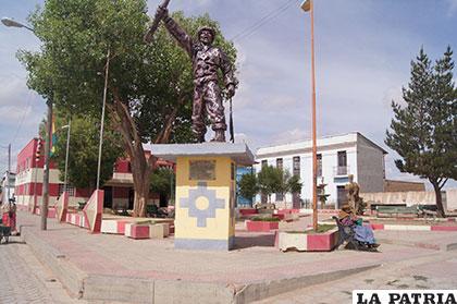 Eucaliptus: municipio orureño (Bolivia)