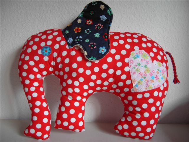coconblanc elefanten kissen. Black Bedroom Furniture Sets. Home Design Ideas