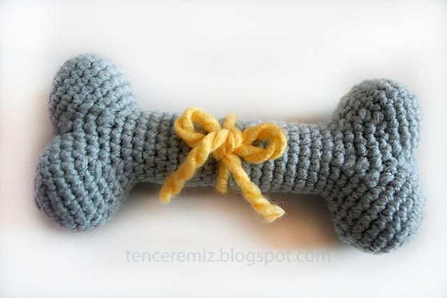 köpekler için elyapımı örgü oyuncak