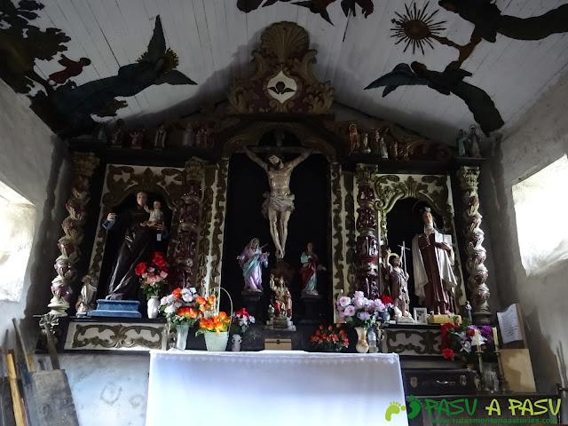 Interior de la Ermita de San Juan en Silvón