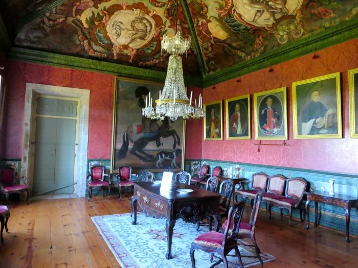 Casa da Ínsua - portrait room
