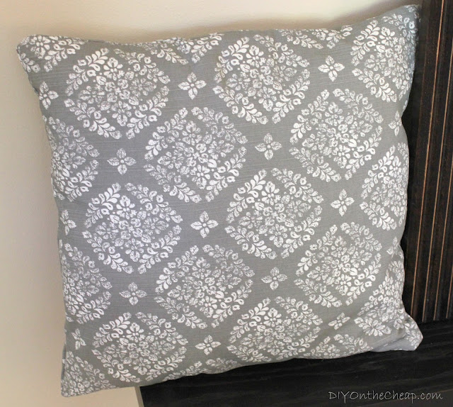Cloth Napkin Pillow Tutorial via DIYOntheCheap.com