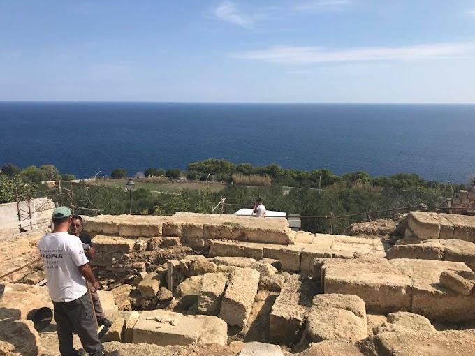 Βρέθηκε βωμός του ναού της θεάς Αθηνάς στην πόλη Κάστρο στην Μ.Ελλάδα