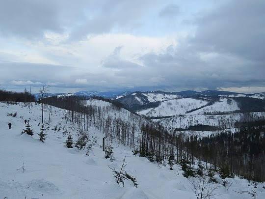 Panorama północna ze stoku Wielkiej Raczy.
