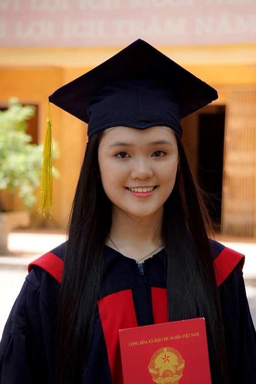 Hình ảnh nữ sinh xinh đẹp Quỳnh Anh