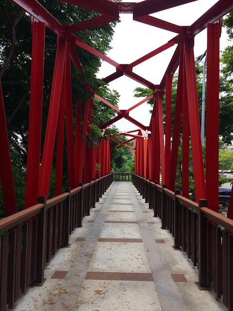紅鐵橋藝術