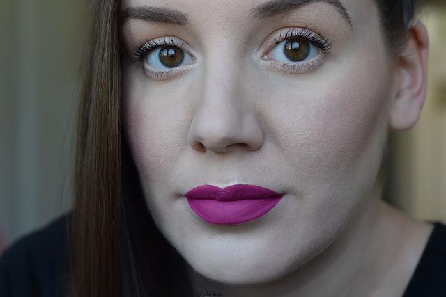 kutak-srece-mac-cosmetics-notino_hr-tailored-to-tease-swatch