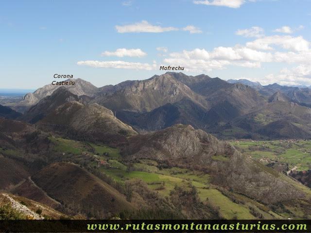 Corona Castiellu y Mofrechu desde Pico Moru, Parres