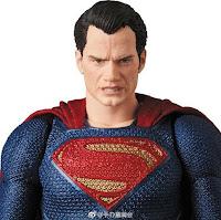 MAFEX Superman de Justice League