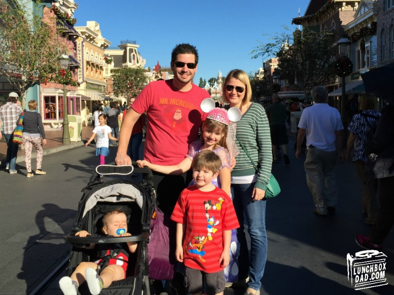 15 parenting tricks for Disneyland with young kids