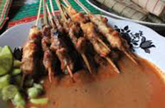 Resep praktis (mudah) sate bulayak spesial (istimewa) khas Lombok yang enak, sedap, gurih, nikmat dan lezat