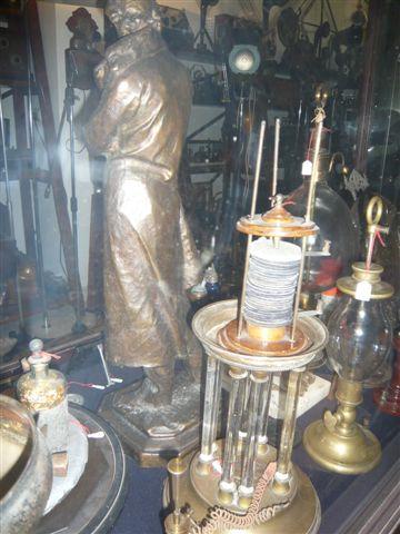 Pila voltiana originale a colonna a dischi di rame e zinco, inizi - '800