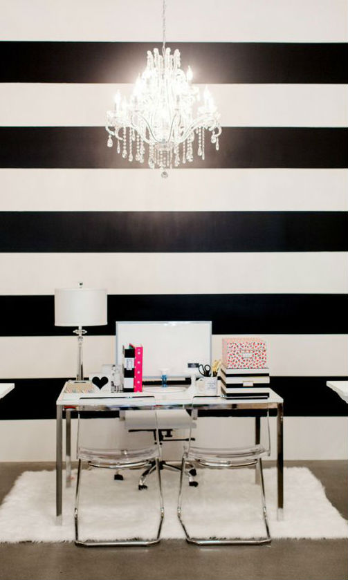 black and white home decor idea