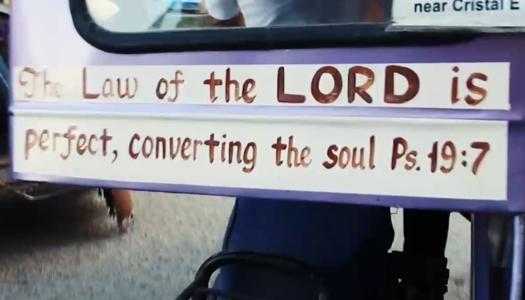 Versículos bíblicos en mototaxis de Filipinas