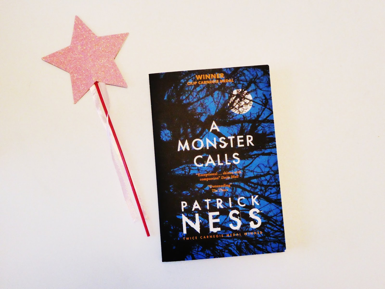 Review of A Monster Calls by Patrick Ness | Hollie in Wanderlust | Book Blogger
