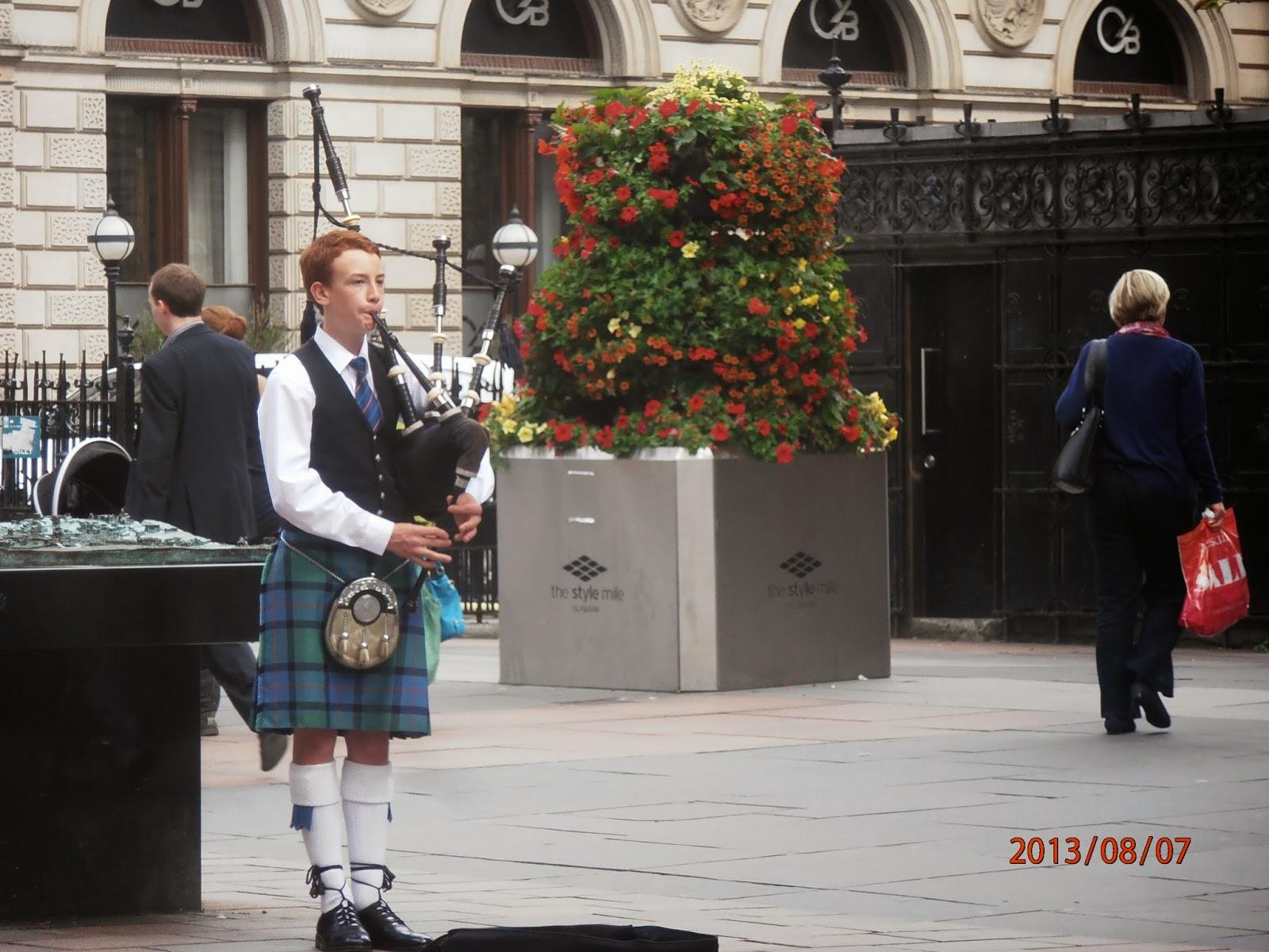 Glasgow-i nyelvjárás és a skót dudás