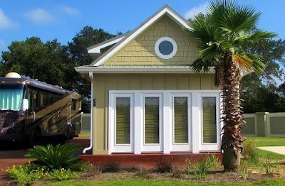 rumah kecil mungil minimalis gaya eropa