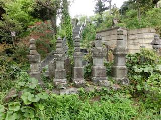 二伝寺松平正次一族の墓