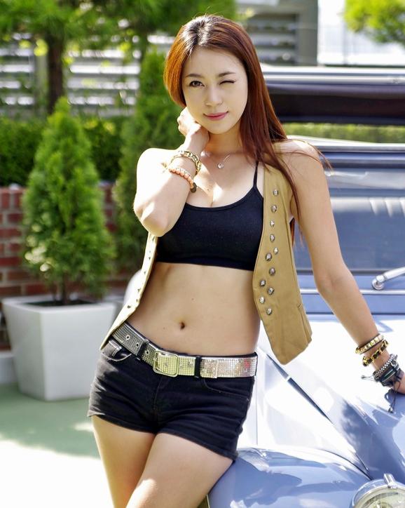 Race Queen Cantik Ju Da Ha