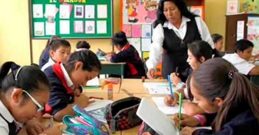 MINEDU descarta privatización de colegios públicos