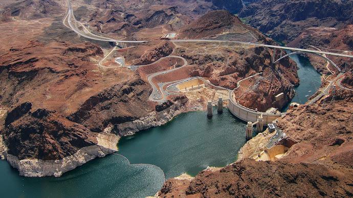 Wallpaper: Hoover Dam seen from Air